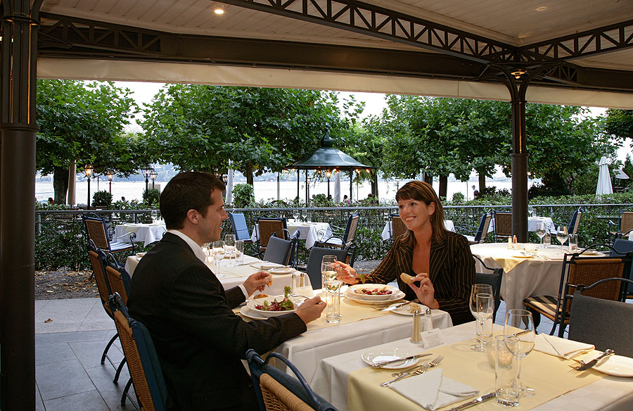 Sonnengalerie Restaurant on Lake Zurich